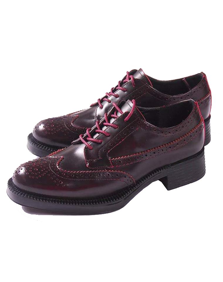 特殊渠道  仅468元 PRADA普拉达经典 雕花  巴洛克鞋带  牛皮低帮女鞋
