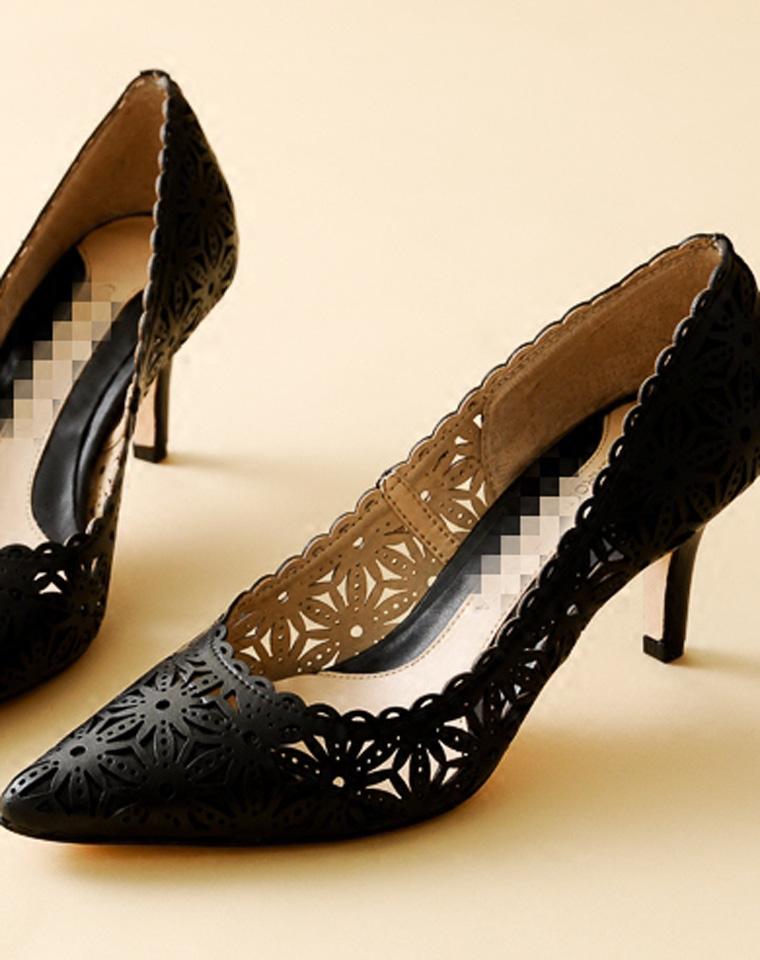 拔草必收  仅298元  意大利CAROLINNA ESPINOSA纯正原单 镂空雕花  牛皮高跟鞋