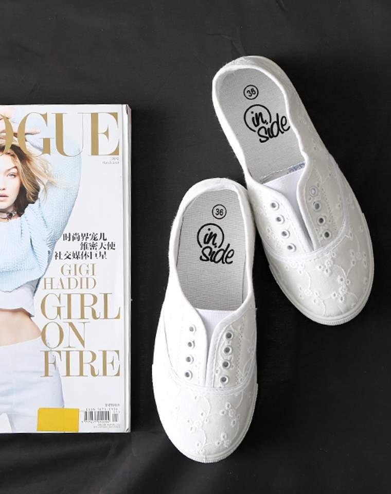人手一双的小白鞋  仅55元  欧洲订单 棉质鞋面镂空绣花   秀气无带小白鞋