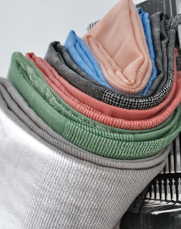 年中大促  超值尖货 120支羊绒 仅230元  美国高端chloe纯正原单 高品质羊绒 毛边披肩 轻盈薄款羊绒围巾