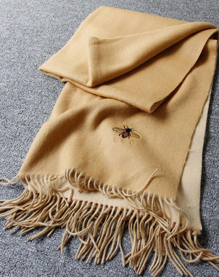 老团员必收  特殊渠道 保真 仅328元   GUCCI原单  加厚超舒适保暖 净色 女款大羊绒围巾 流苏蜜蜂