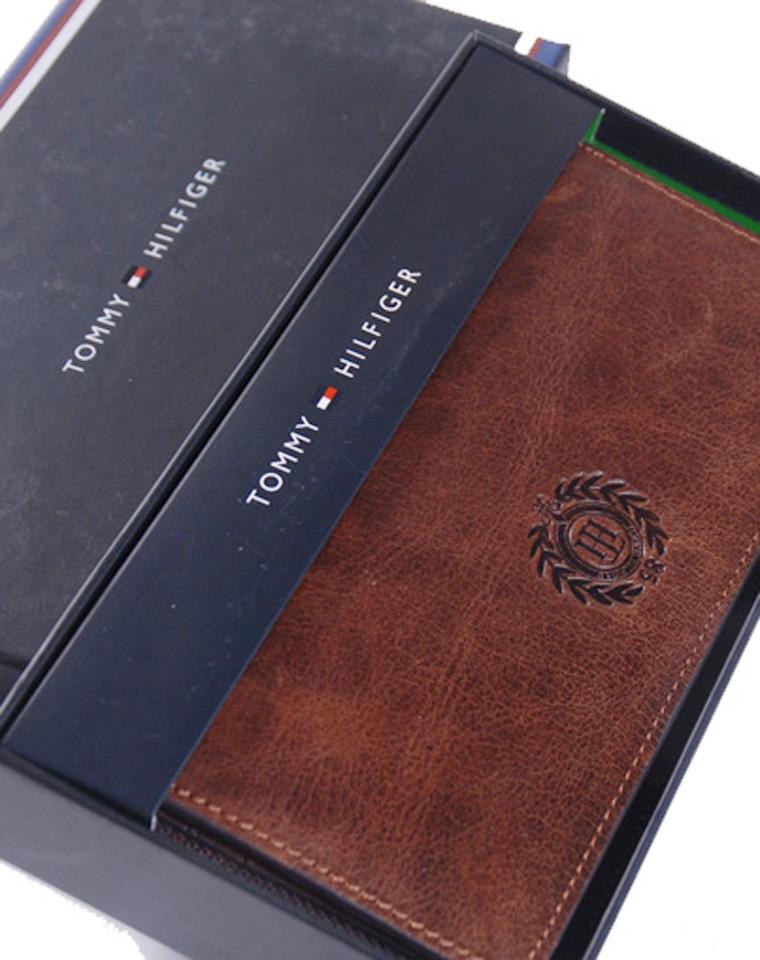 有故事更有品质  仅228元 美国Tommy Hilfiger疯牛皮  超好质感  钱夹手包二合一