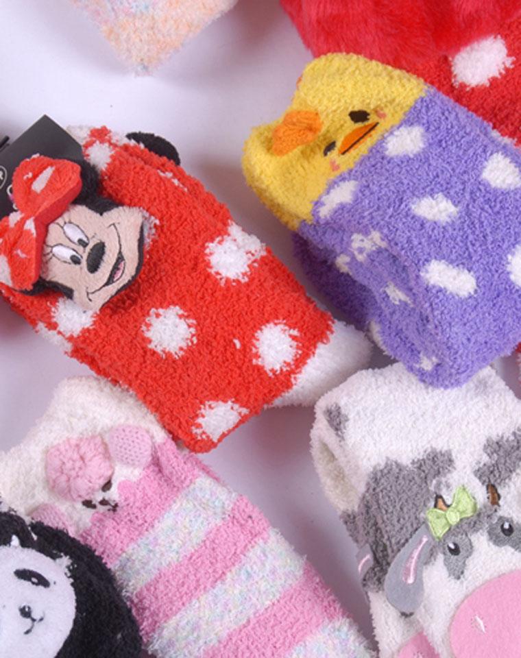 独家好货  暖烘烘雪地袜!仅9.9元一双    Disney纯正原单 柔软加厚雪地袜 精致小动物刺绣 珊瑚绒袜 地板袜 毛绒袜  保暖袜