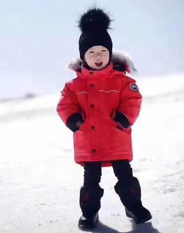 最好的给孩子  仅288元  Canada Goose 加拿大鹅  童加厚  可拆卸毛领   男女童羽绒服