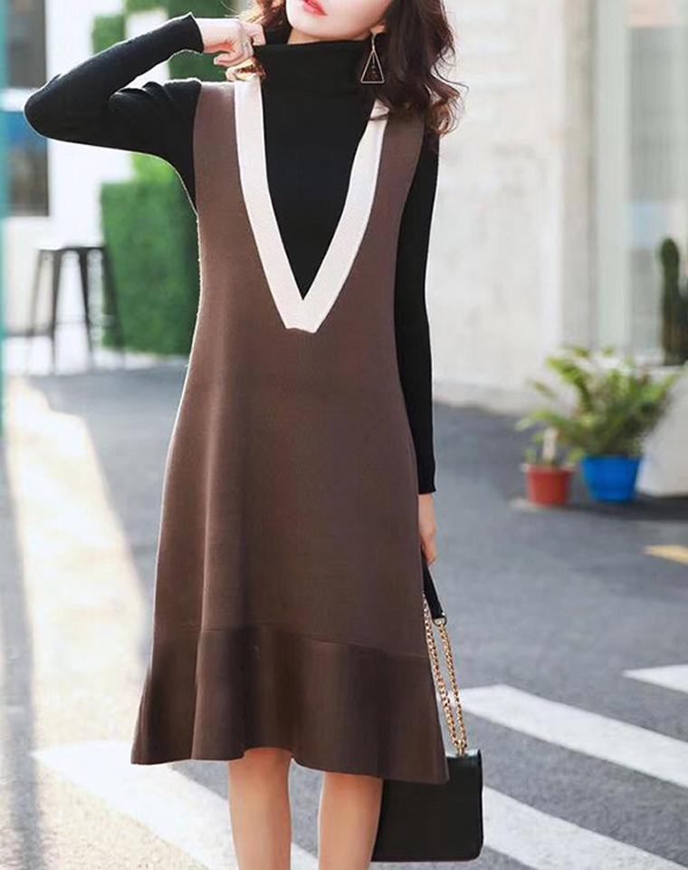 以一当十    仅158元  日本品牌   V领端庄大气 羊毛背心裙  中长款 秋冬针织裙