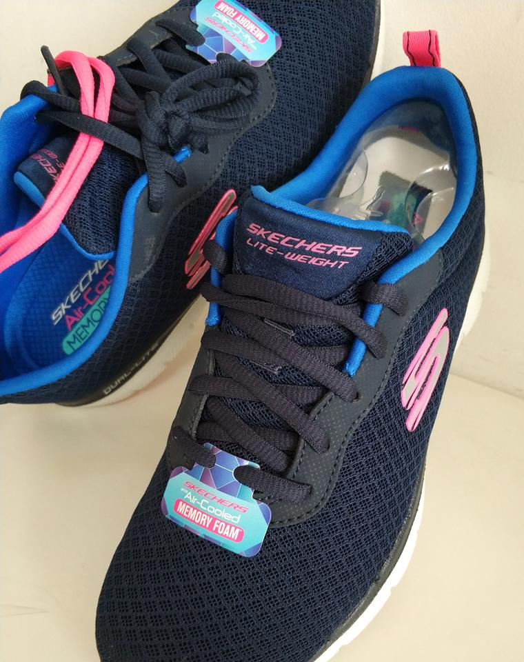 全网独家 越南河内代工厂硬货  给闺女妈妈给婆婆 仅148元  Skechers斯凯奇女士   记忆鞋垫 撞色双鞋垫 女款慢跑鞋
