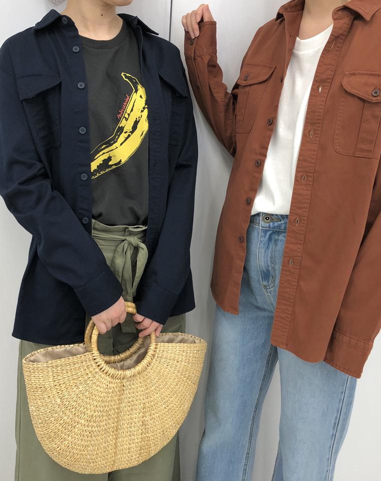 日本UNIQLO优衣库纯正原单!!仅79.9元  大热工装风帅气中性好质感纽扣长袖衬衫弧下摆