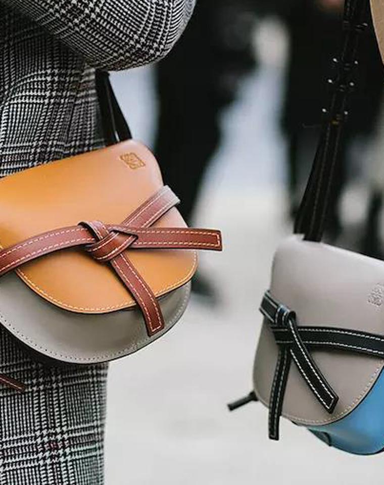 尖儿货量少  仅768元   奢华Loewe罗意威  高品质,纯皮!复古马鞍包,蝴蝶结打结单肩斜挎包