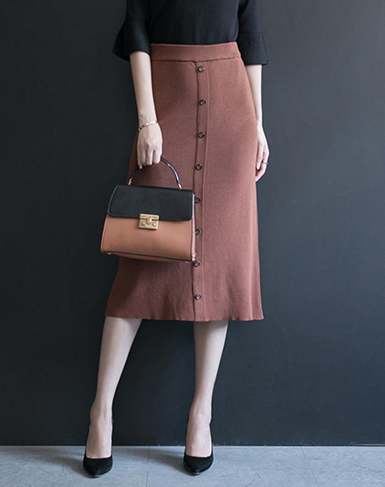 秋冬离不了的高腰包臀裙   仅95元 超好品质     排扣半身裙 针织长裙