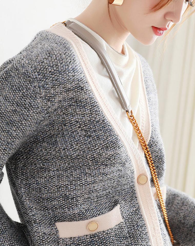 性价比之选 仅185元  厚实温暖V领撞色边  夹花色长袖羊毛宽松百搭开衫
