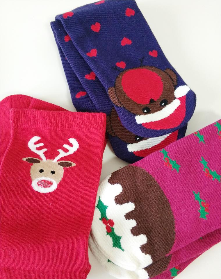 9块9包邮   16.8元2双     外贸好货      厚实毛巾底圣诞节袜