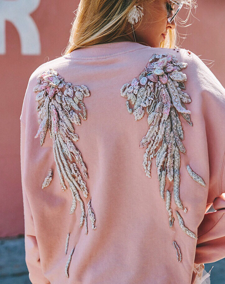 重工天使翅膀  仅185元  Miss Sixty 限量天使翅膀 重工刺绣  廓形套头卫衣