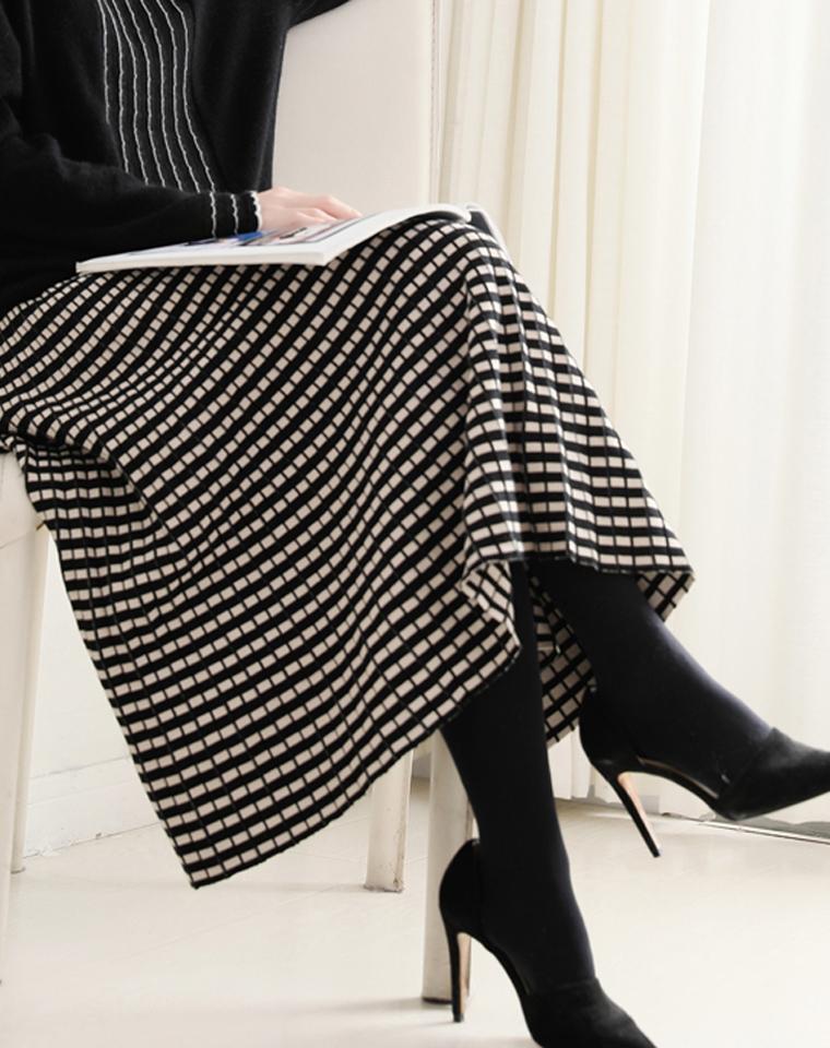 垂挺感佳 夹闪针织 仅108元 A字含羊毛格子半身长裙  松紧腰及踝针织洒摆长裙