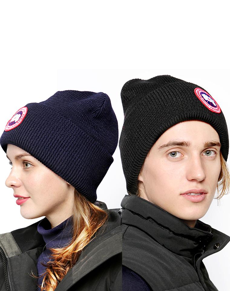 男女同款 百搭实用  仅45元  CANADA GOOSE加拿大鹅 纯正原单  秋冬季必备的针织毛线帽 男女款 可搭配情侣哟
