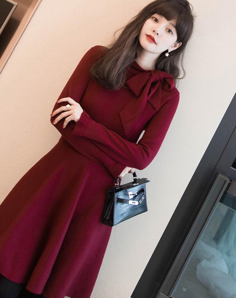 迎新!!轻松凸显气质!仅228元  大衣的神仙搭配!飘带款羊毛针织连衣裙