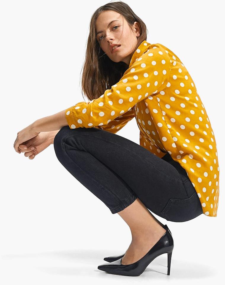 完美波点打底衬  衬肤色的樱花黄 仅69元  西班牙Stradivarius音符纯正原单 2019最新波点衬衫