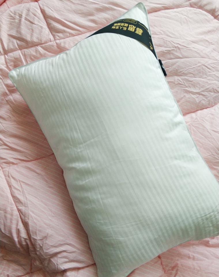 就一批  今日截团!!!两个一组  超值回馈!!!仅78元  幕思DeRUCCl原单原包装  琳卡纤维 舒适睡眠枕芯