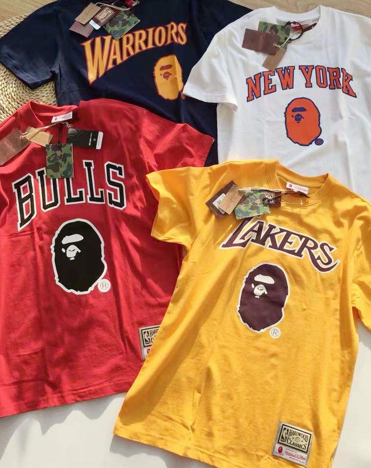 正版正版 男女款  仅108元  Bape x Mitchell & Ness Tee NBA联名短袖T恤猿人头