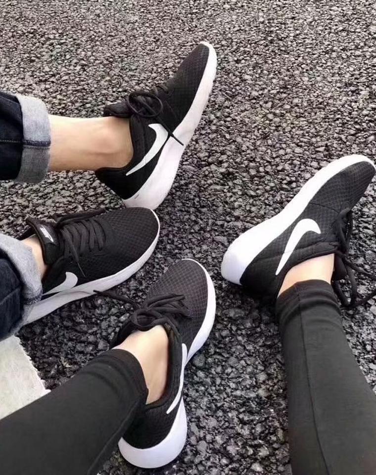 福利!!!一家子都需要的经典神器三代!!  给大儿子 大闺女  给孩儿爸 给老爸  仅99元!!  Nike Tanjun 三代经典黑白透气网面运动鞋