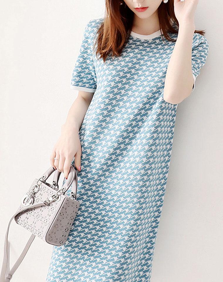 品质为先 优雅圆领 含真丝  仅165元   亲肤舒适短袖小直筒千鸟格针织裙