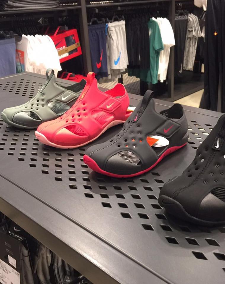 抢!!亲妈必收!!仅98元    超好穿的NIKE涉水飞机鞋!!