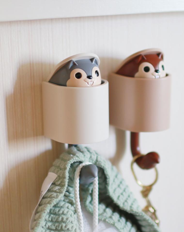 心若爱 生活处处都是爱 仅14.8元  小松鼠挂钩挂重物  小松鼠会钻出!!