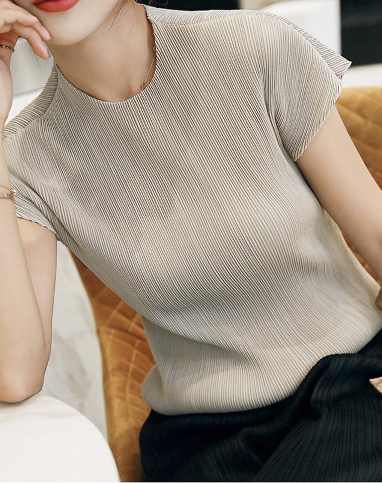 超级简约省心搭  仅99元  三宅褶皱系列  包袖式小船领  T恤打底衫