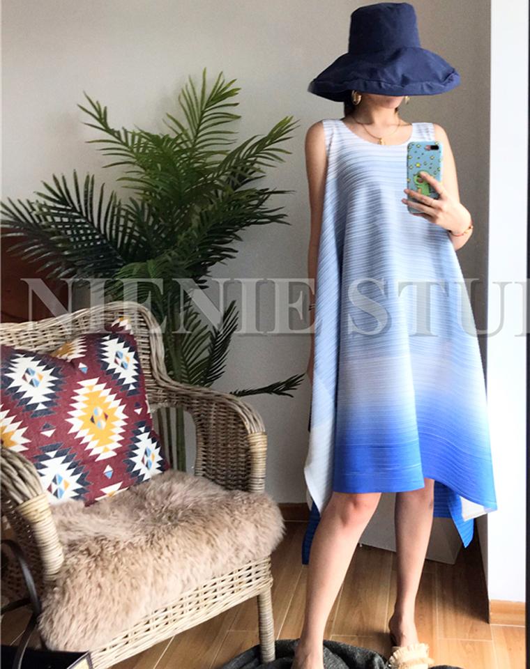 清新度假风  N种穿法 仅195元  三宅褶皱渐变  夏日清新度假巴厘岛无袖连衣裙 多种穿法