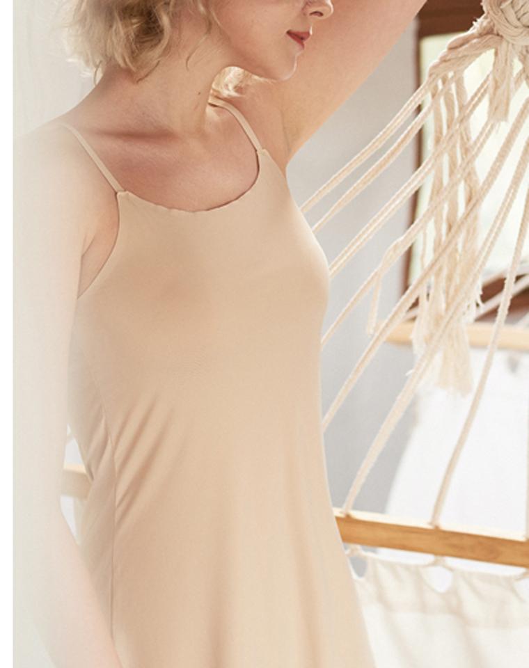 超值捡漏  肩带可调节   仅19.9元  丝滑舒服打底 睡眠无痕可调节吊带蕾丝打底裙
