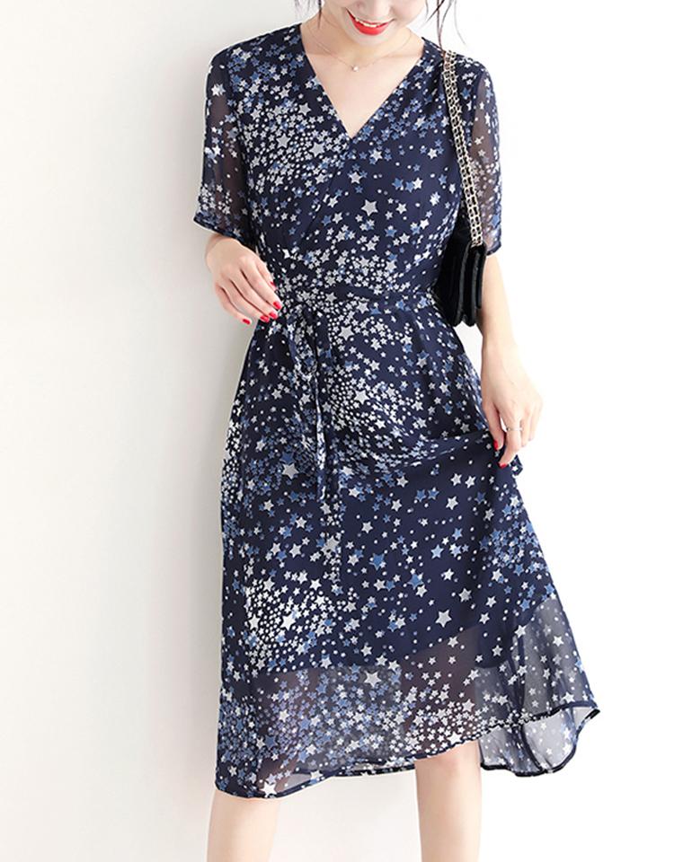 温柔注目 特美!浪漫星空  仅168元  法系优雅V领围裹系带 短袖茶歇裙连衣裙