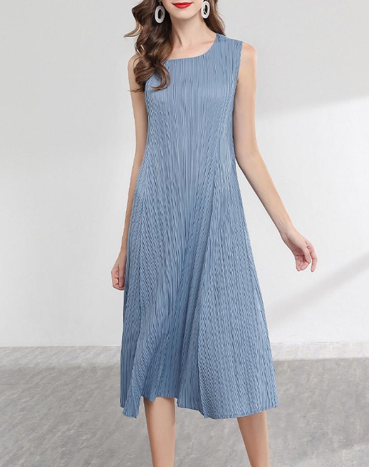 极简主义 超级实穿  仅185元  三宅一生  基本款压褶无袖背心裙  日系大摆裙