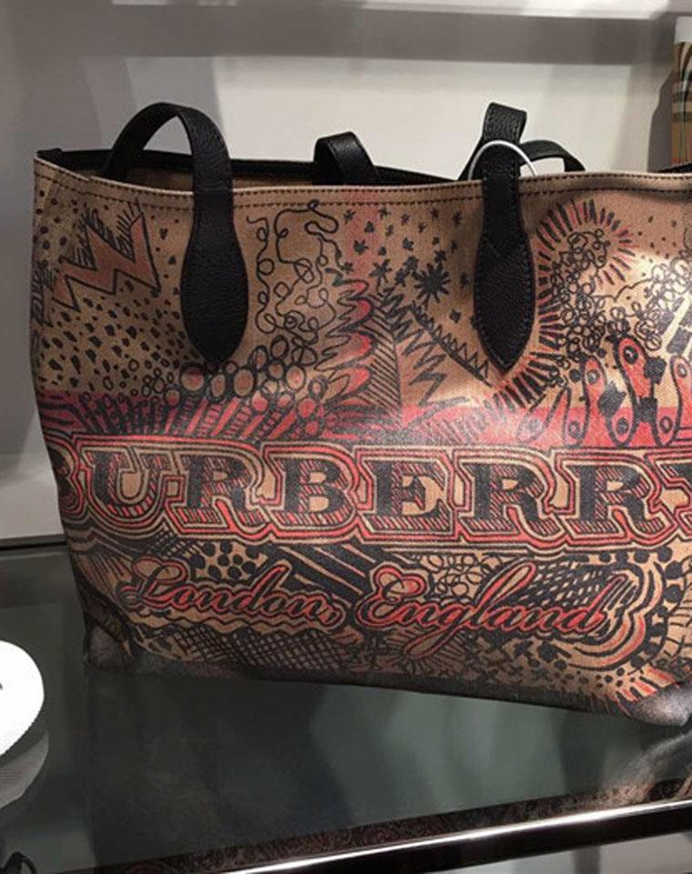双面可用  一只顶2只!!!仅295元  英伦巴宝莉 Burberry纯正原单 双面托特包  一包当两包用!