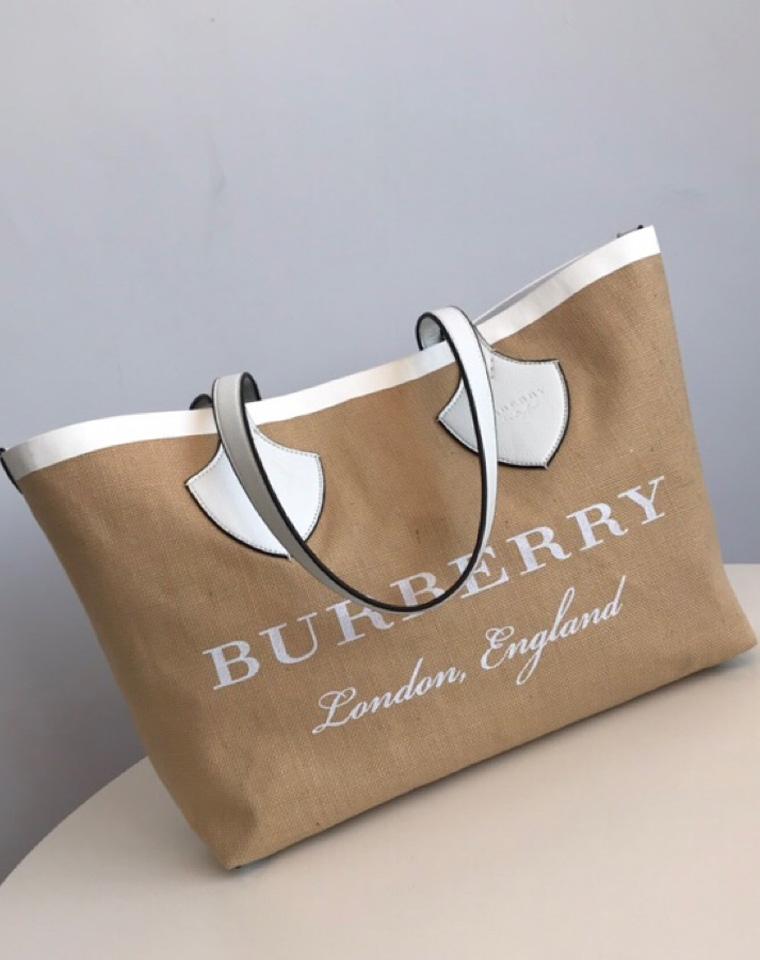超值捡漏就一批!!!仅198元  双面可用   英伦巴宝莉 Burberry纯正原单 麻本色 双面托特包  一包当两包用!