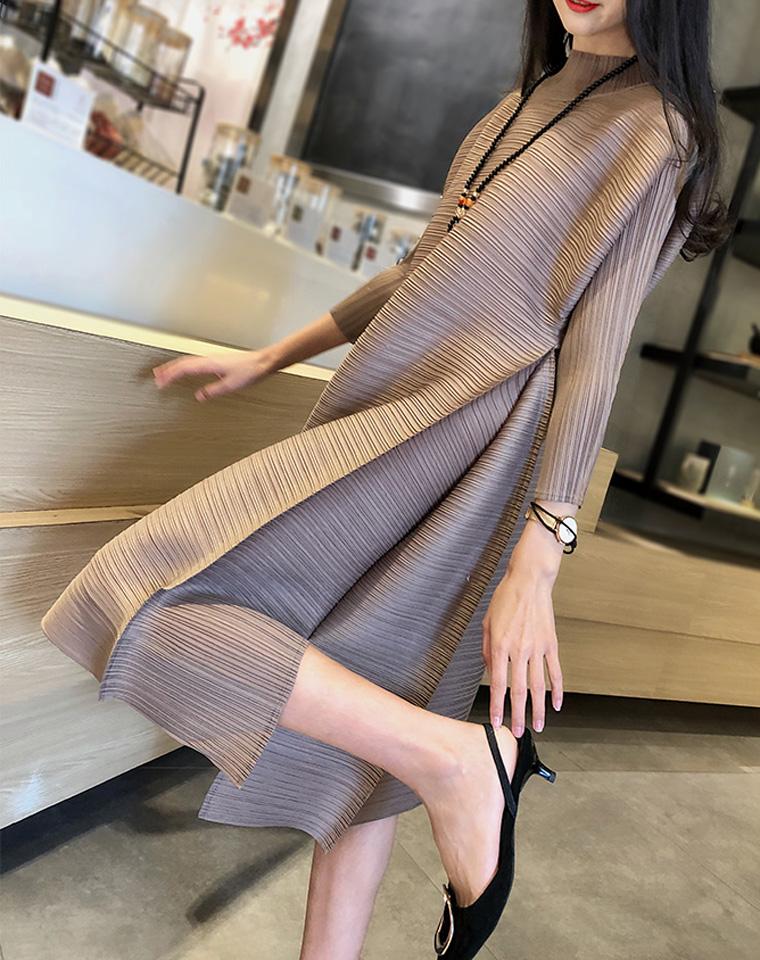 45秒的惊艳   仅188元  三宅褶皱  半高领 2019秋季最新  气质七分袖  A字超显瘦 秋款连衣裙