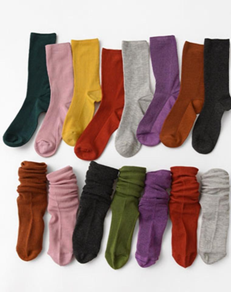 无骨袜才舒服!! 好穿的堆堆袜 百搭小能手 仅4.5元一双  女士精梳棉纯色堆堆袜 保暖弹力中筒袜