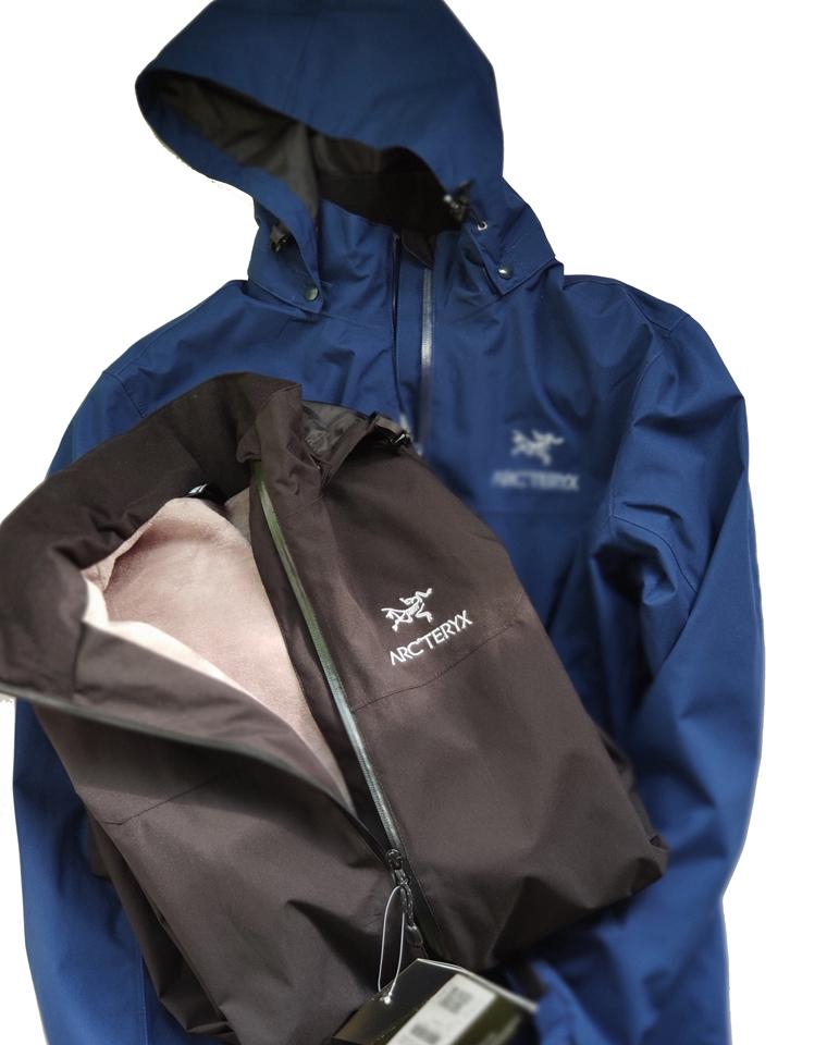 小硬货!! 仅245元  加拿大Arcteryx始祖鸟纯正原单  轻量软壳外套 内里水貂绒薄棉外套