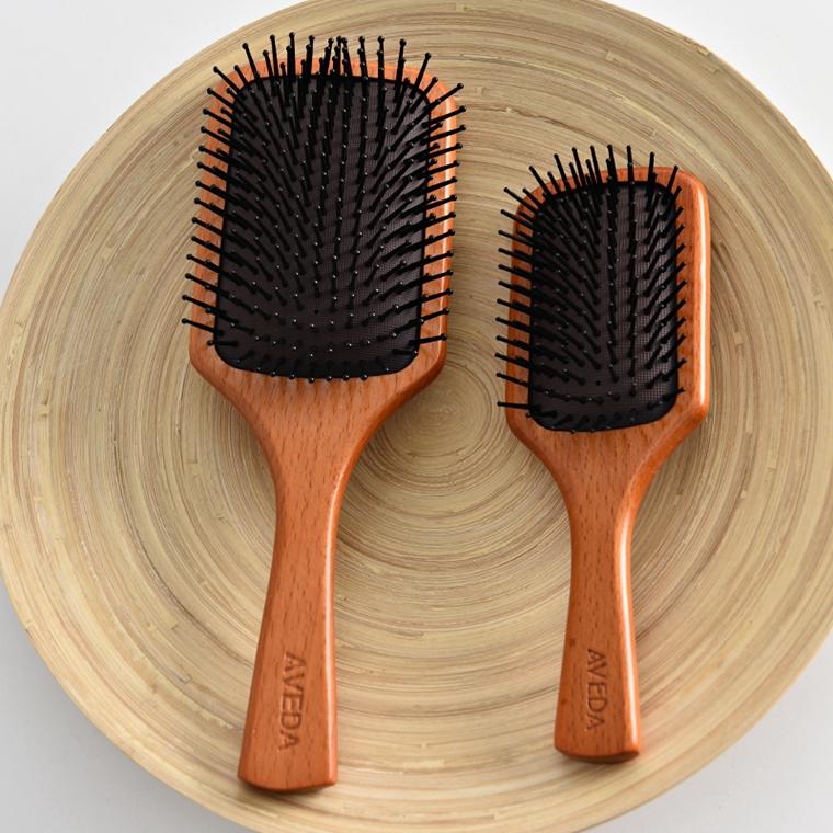 养护发根   保护发梢~仅35元  45元   AVEDA纯正原单 超级好用的大气垫梳 大小号 这个一定要收!