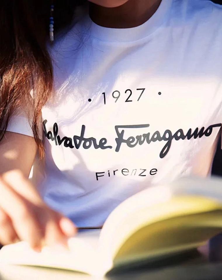 菲拉格慕2020早春蕞新款  仅85元  意大利 Ferragamo 菲拉格慕纯正原单 2020早春蕞新款至简logo短袖T