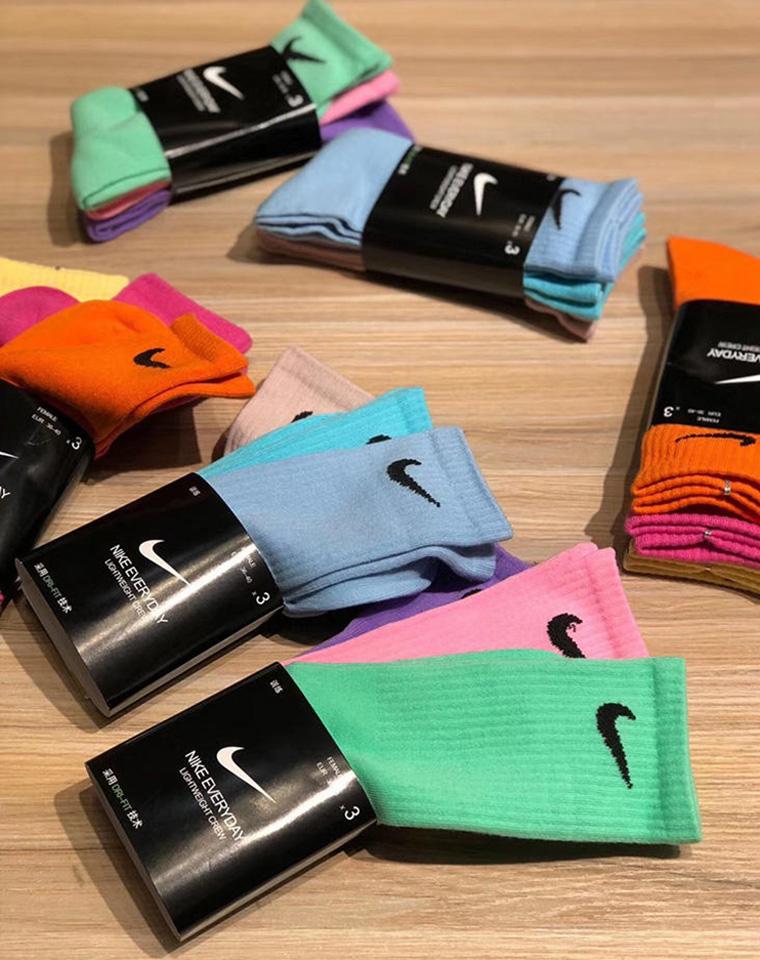 男女款 仅49元  125元  特惠分享 好品质mini swoosh袜子 蕞时髦马卡龙色系