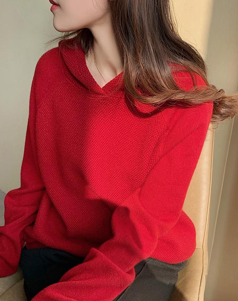为节日加分!显白好气色  高品质羊绒  不俗气!!仅295元 菠萝编织舒适温暖山羊绒  连帽针织小宽松毛衣