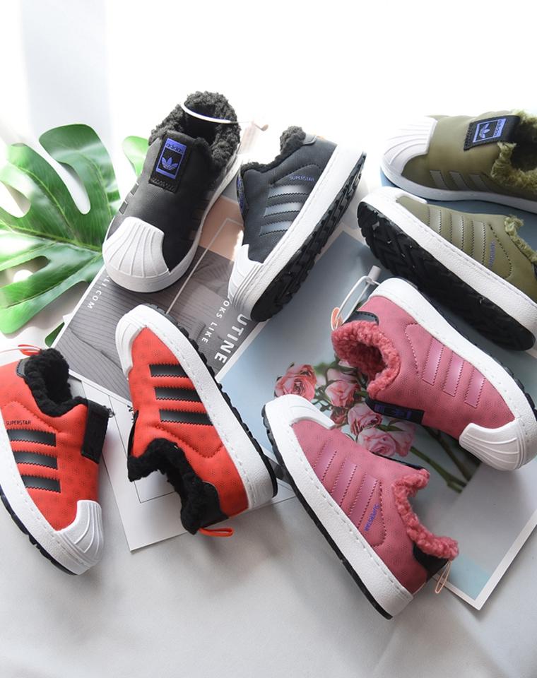 亲妈必收!!贝壳头加绒哒~~仅95元  adidas阿迪达斯三叶草纯正原单   加绒贝壳头童运动鞋