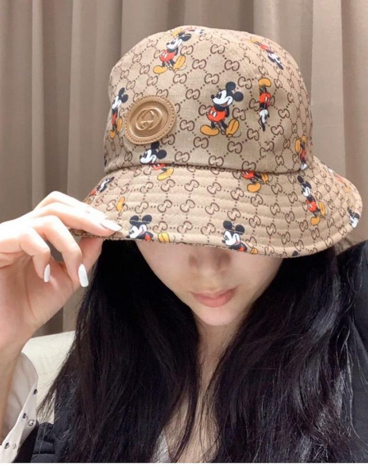 最IN的渔夫帽!!一眼就爱!瞬间减龄!多一份防护 仅69元 双G米奇联合渔夫帽