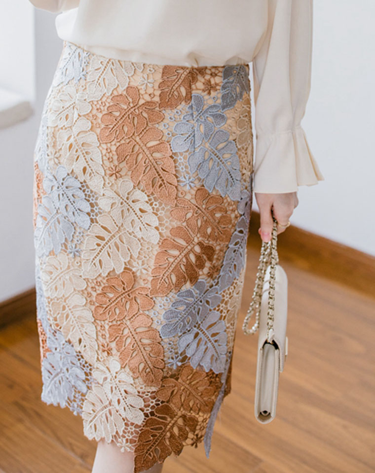 给优渥女子  贵气轻奢 品质存在感 仅185元  精致花叶水溶棉蕾丝刺绣 及膝包臀半身裙