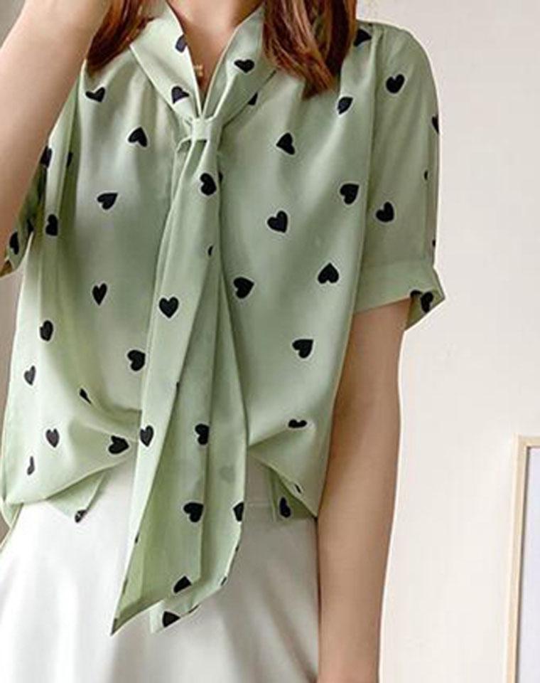 心动美衣!怎么搭都好看!仅158元 领口飘带爱心印花衬衫  减龄显瘦衬衫