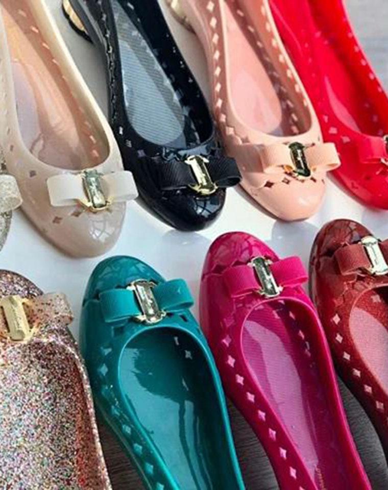 亲没有见过的果冻芭蕾鞋!舒服到家了!仅118元  意大利 Ferragamo 菲拉格慕纯正原单  2厘米跟超舒适芭蕾鞋 平跟鞋 果冻鞋 !! 自带香味