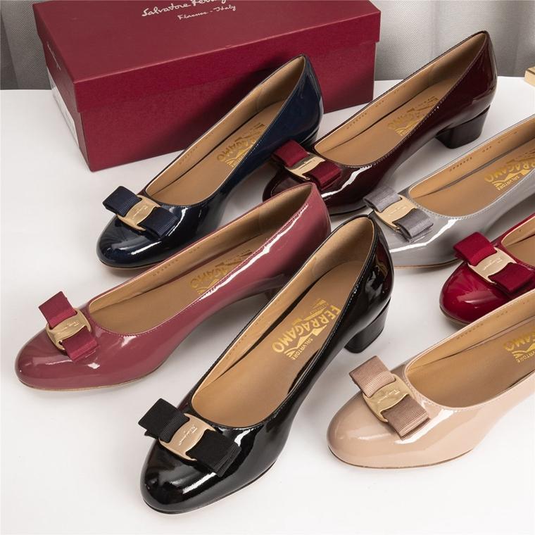 老团员必收 特殊渠道  仅328元  意大利 Ferragamo 菲拉格慕纯正原单   漆皮蝴蝶结VARINA中跟鞋