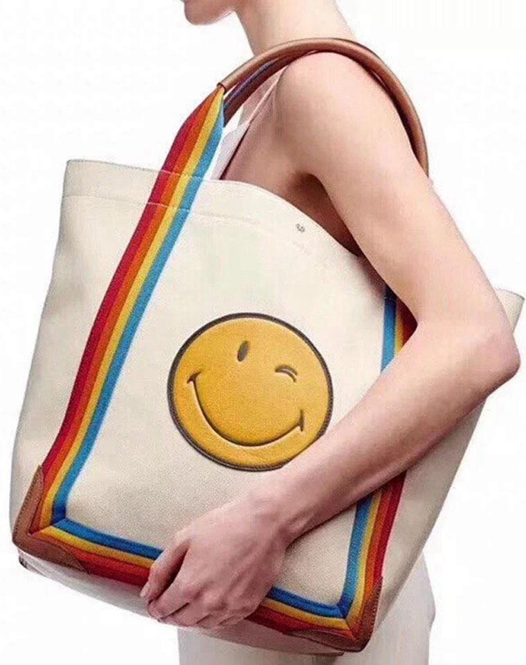 永居C位   笑脸托特包 仅198元  228元  Anya纯正原单  最著名的笑脸包永远是Anya家的明星款