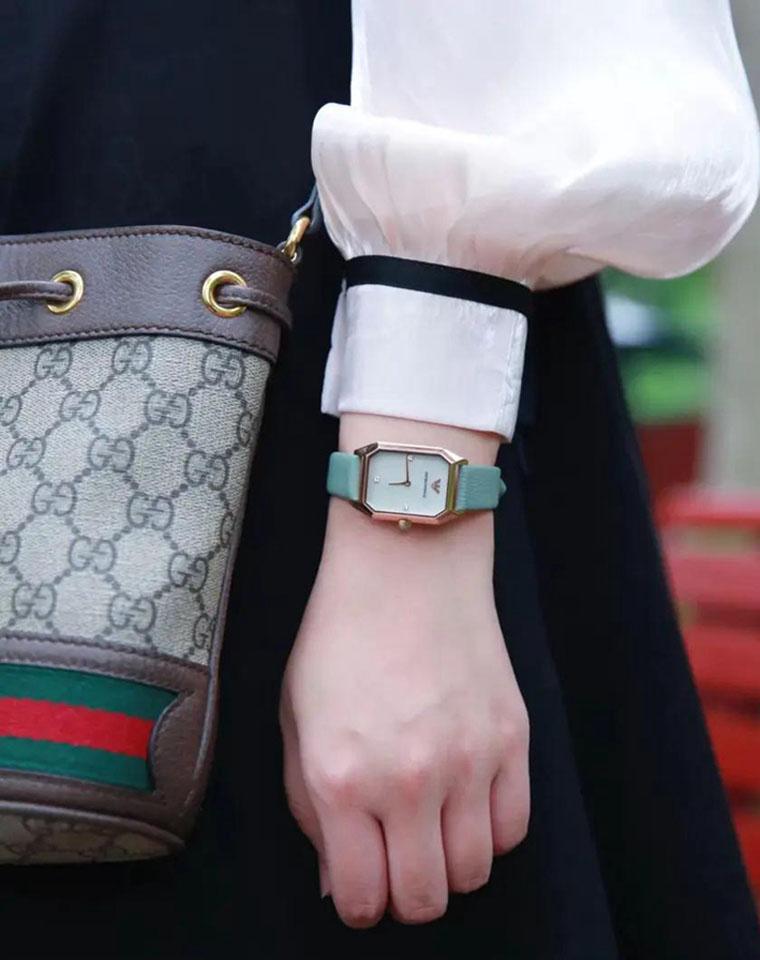 七夕特供  特殊渠道好货  仅295元 EMPORIO ARMANI 阿玛尼AJ巨超值 女士皮带方形手表