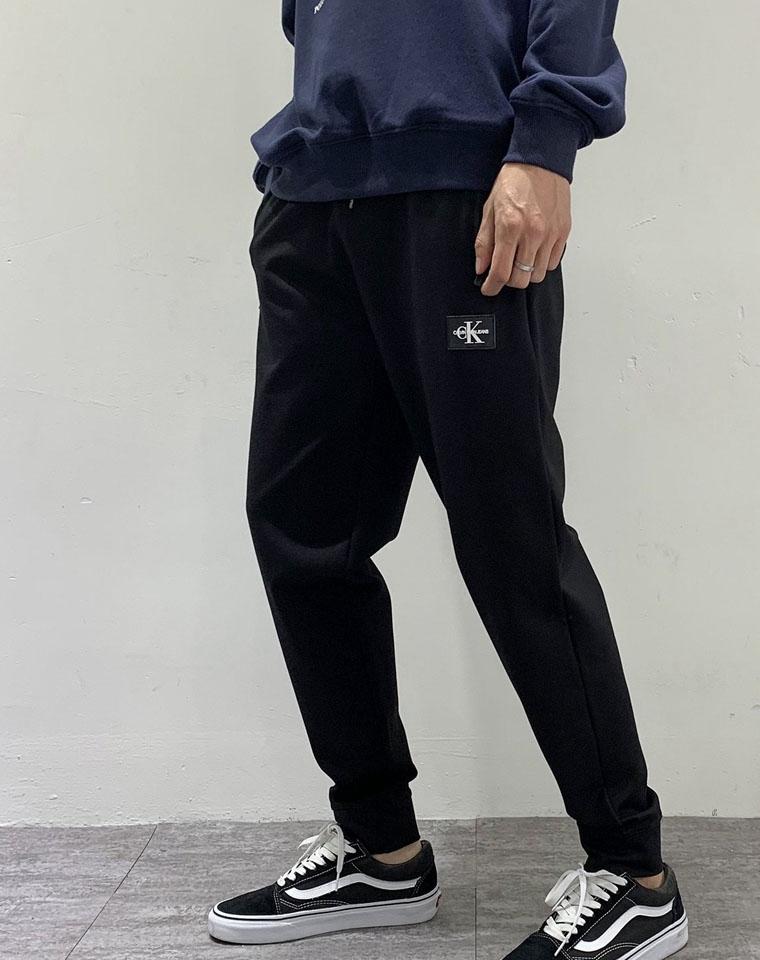 给纯爷们の  绝不起球绝不变形 仅118元 Calvin Klein Jeans纯正原单 高端高密弹力织法  秋冬男士休闲卫裤