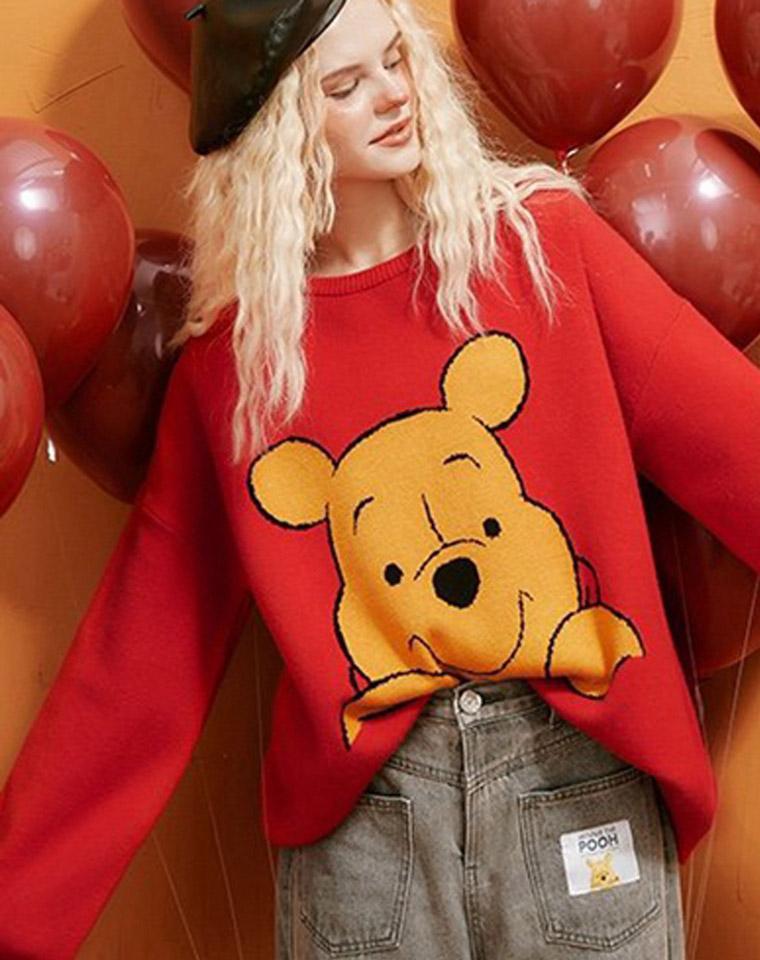 【小熊维尼的联名款】2020秋季新款  仅129元  圆领毛衣小熊维尼图案提花百搭慵懒风针织衫